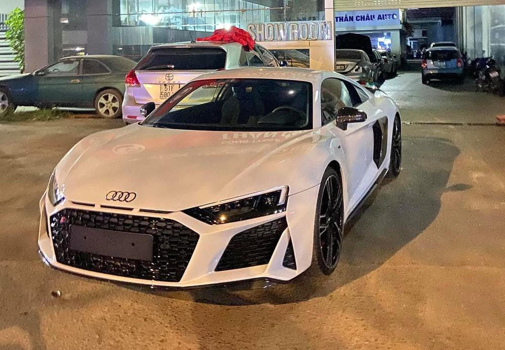 Diện mạo siêu xe Audi R8 V10 đời mới đầu tiên về Việt Nam