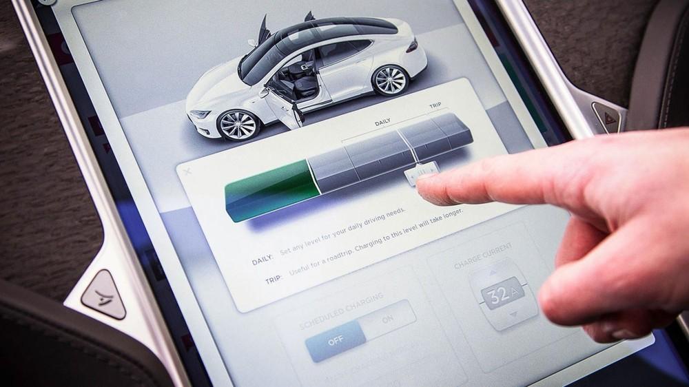 Xe điện Tesla Model S sử dụng bộ pin 100 kWh