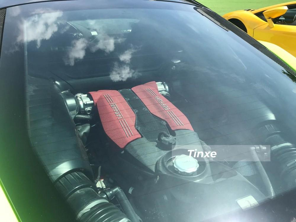 Động cơ của xe đã được độ lại nhằm tăng công suất thêm 100 mã lực