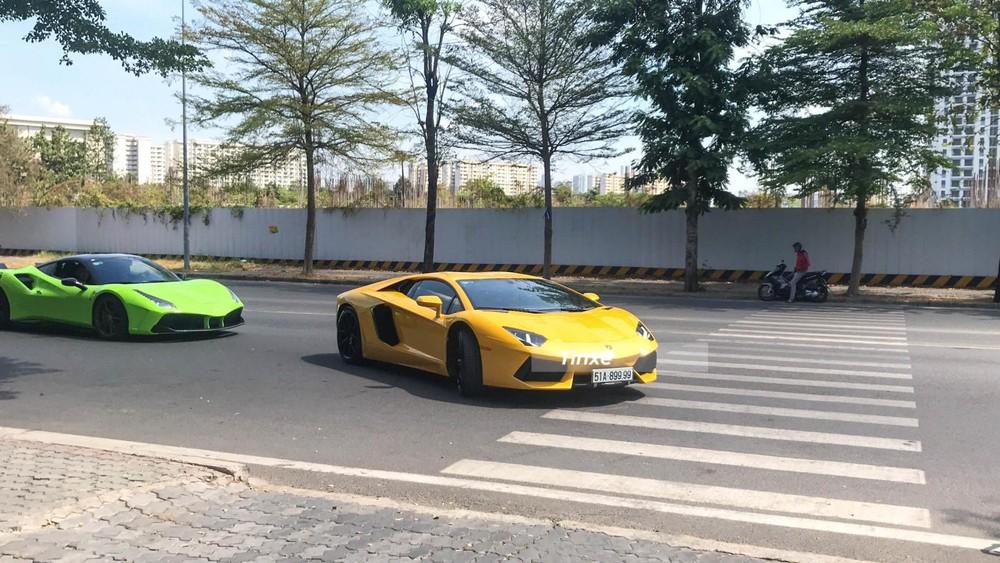 Lamborghini Aventador LP700-4 đầu tiên về Việt Nam cùng Ferrari 488 GTB độ SVR