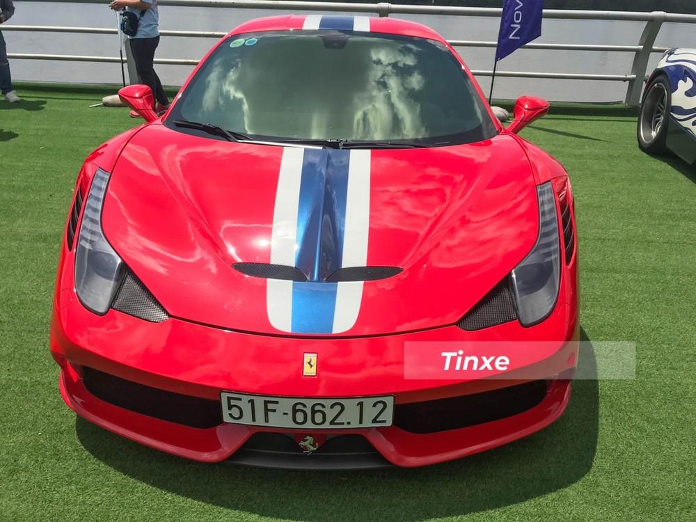 Không chỉ giảm trọng lượng cho siêu xe Ferrari 458 Speciale, hãng siêu xe Ý còn tinh chỉnh lại khối động cơ V8, dung tích 4.5 lít, để mang đến cho bản hiệu suất cao của Ferrari 458 Italia công suất tối đa 607 mã lực tại vòng tua máy 9.000 vòng/phút, cao hơn 37 mã lực so với bản tiêu chuẩn. Mô-men xoắn cực đại của 458 Speciale vẫn là 540 Nm tại vòng tua 6.000 vòng/phút.