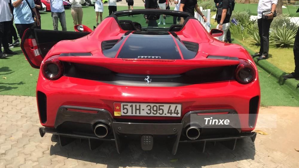 Ferrari 488 Pista Spider có công suất cực đại 720 mã lực