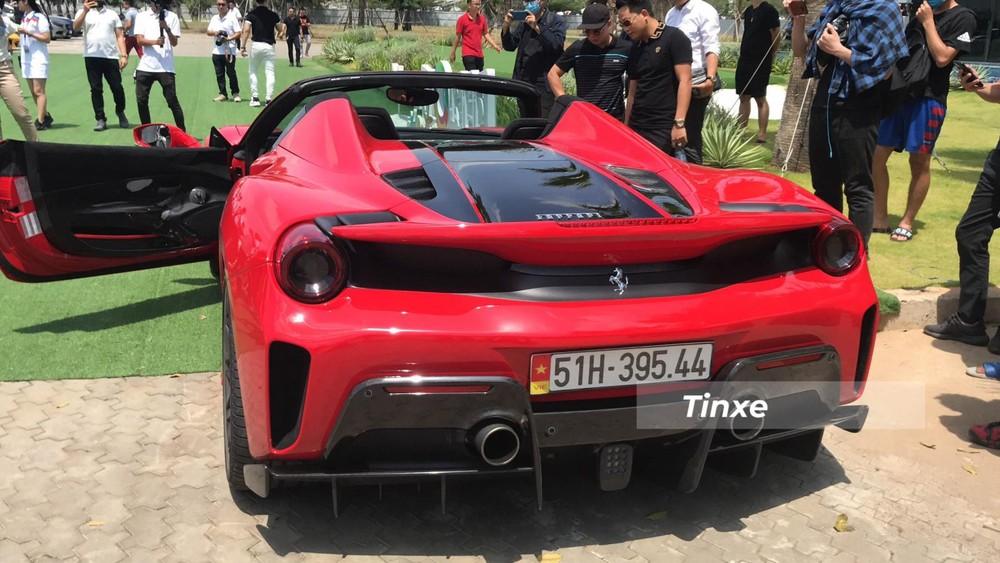 Ferrari 488 Pista Spider của Hoàng Kim Khánh