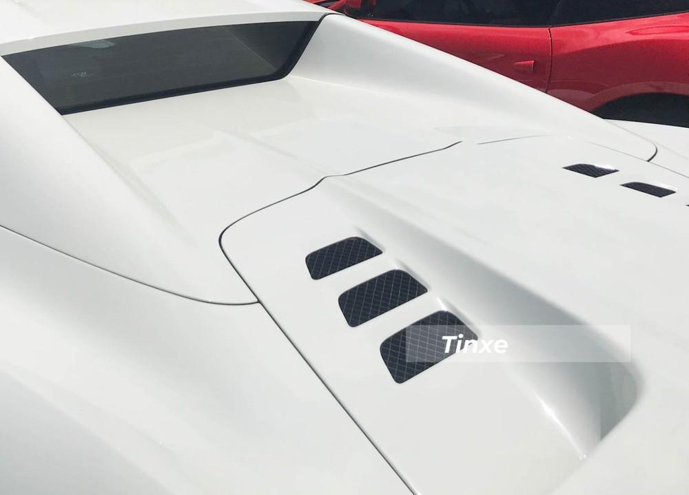 Việc trang bị ống xả IPE cũng giúp Ferrari 458 Spider tăng công suất thêm 15 mã lực