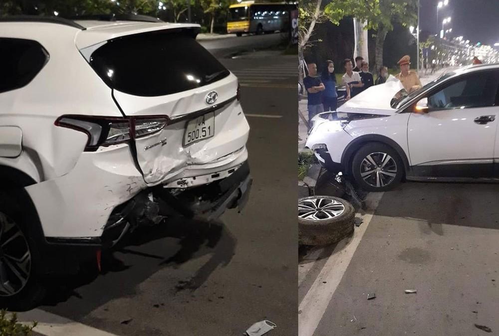 Chiếc Hyundai Santa Fe biến dạng đuôi xe và rơi cả lốp dự phòng