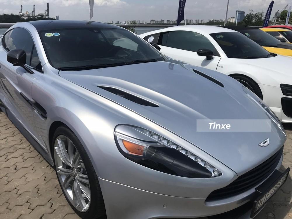 Bảng tính giá lệ phí trước bạ của Bộ Tài Chính cho thấy mẫu xe thể thao hạng sang Aston Martin Vanquish có giá 23,882 tỷ đồng. Chi phí đăng ký biển số và đăng kiểm của xe sẽ hơn 26 tỷ đồng.