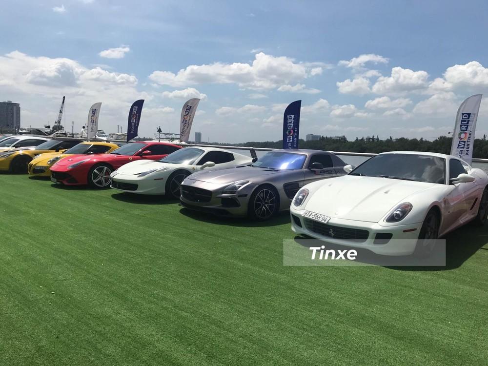 Ferrari 599 GTB nổi bật khi đỗ cùng hàng dài siêu xe trong sự kiện của nhóm Viet Rally