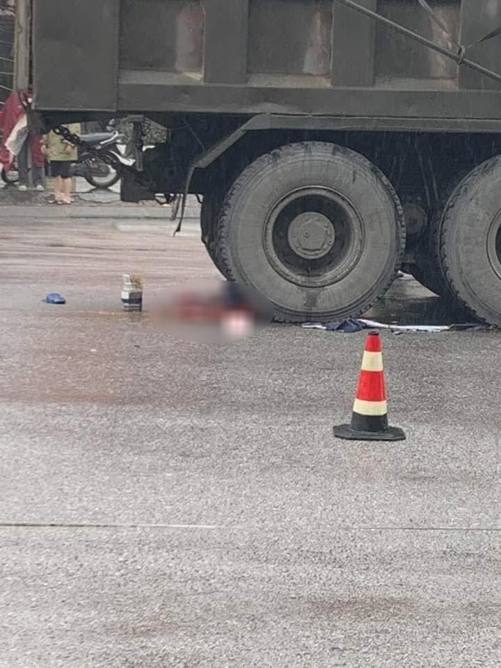 Người phụ nữ điều khiển xe máy tử vong tại chỗ