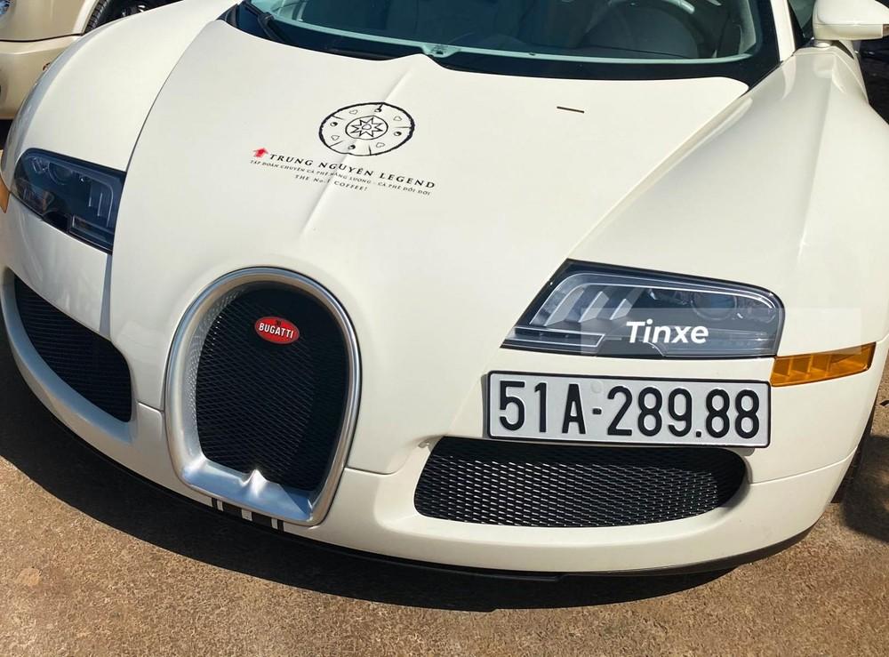 Xe đã được trang bị đèn pha LED của phiên bản cao cấp Bugatti Veyron Super Sport