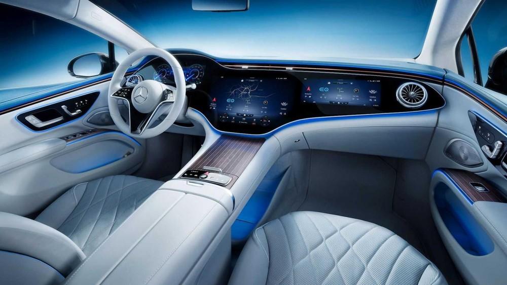 Mercedes EQS 2022 bản cao cấp mới cóMBUX Hyperscreen