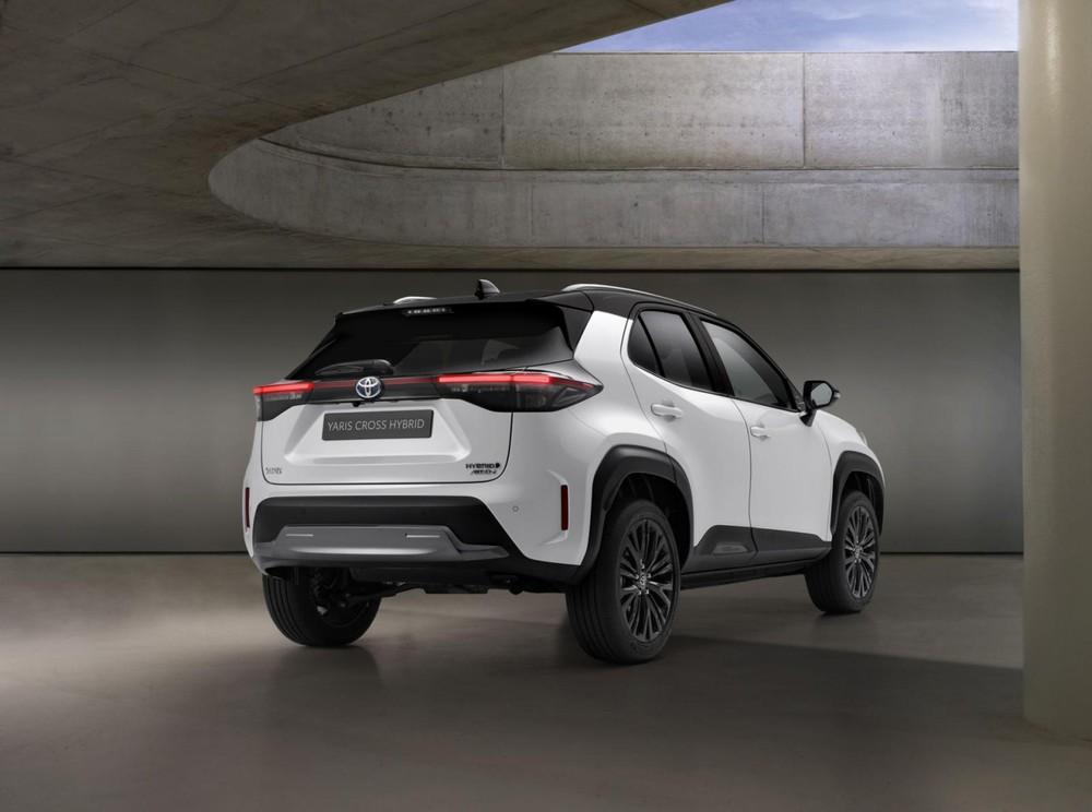 Toyota Yaris Cross Adventure 2021 trông hầm hố hơn bản thường