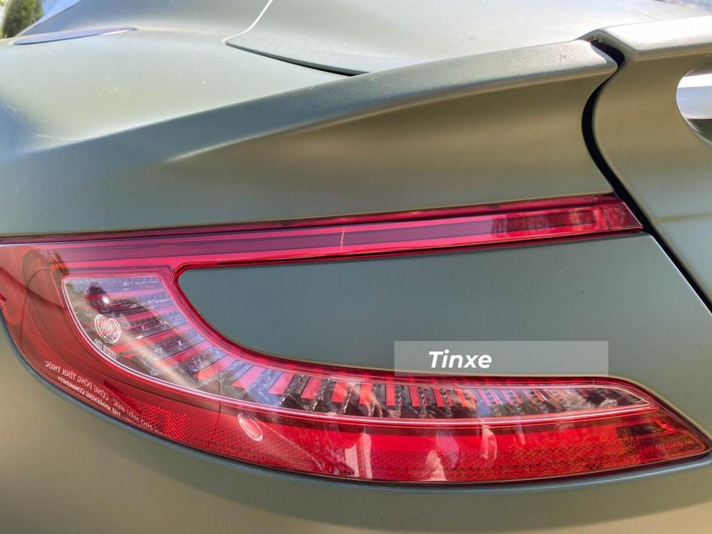 Đèn hậu LED hình chữ C nằm ngang của xe