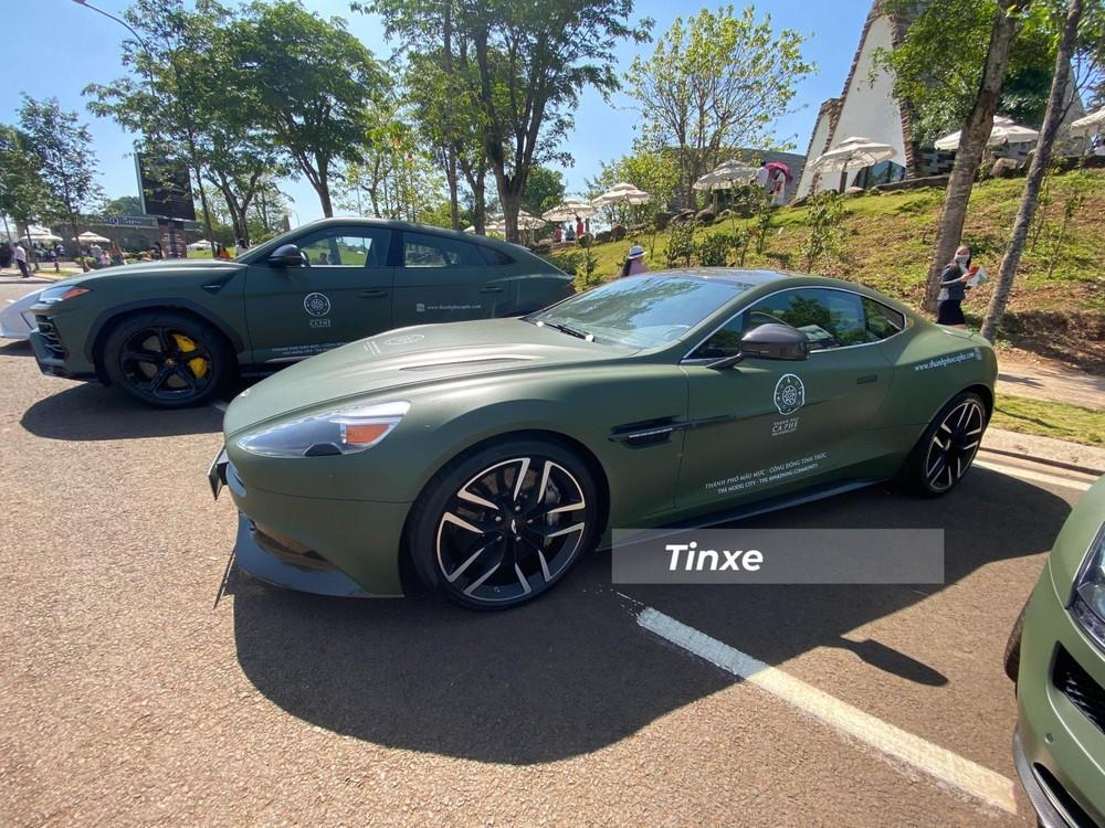 Không chỉ sưu tập Rolls-Royce, Bentley, Porsche mà Đặng Lê Nguyên Vũ còn sở hữu nhiều xe Aston Martin khác nhau. Trong đó, Aston Martin Vanquish ông đang có 3 chiếc