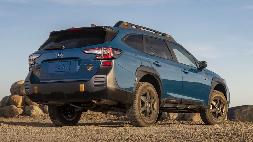 Subaru Outback Wilderness 2022 có gầm cao hơn bản thường