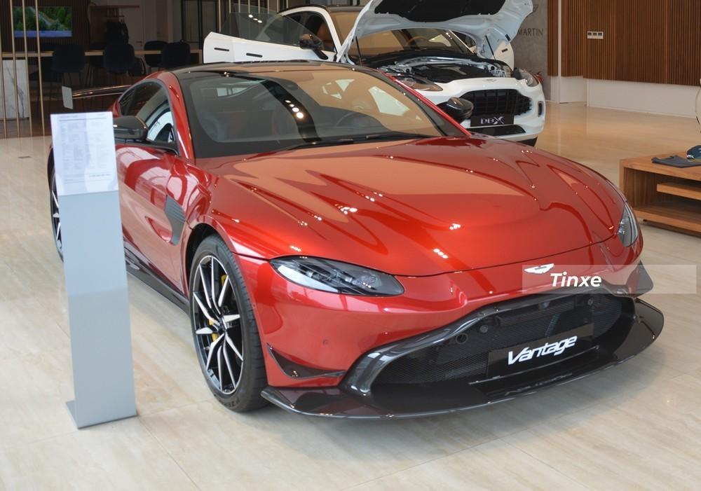 Diện mạo phần đầu xe Aston Martin V8 Vantage độ body kit AMR