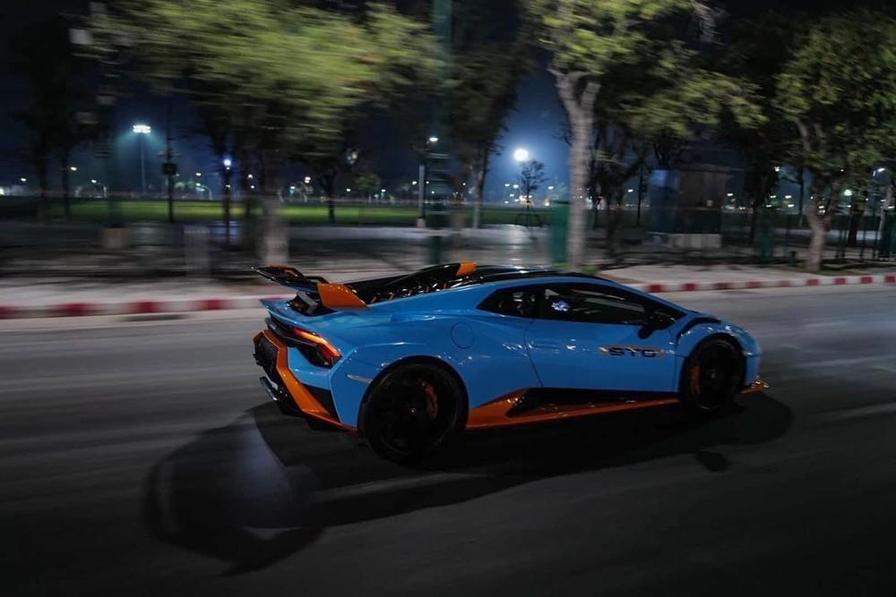 Lamborghini Huracan STO tuy có sức mạnh ngang với Lamborghini Huracan EVO nhưng đã được tuỳ chỉnh lại mang đến cảm giác lái đua xe chân thật nhất