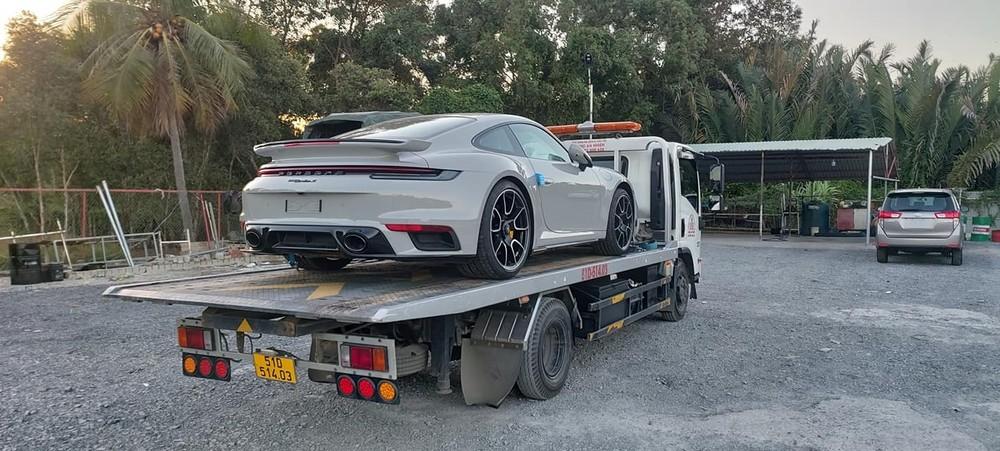 Hiện chưa rõ chiếc xe Porsche 911 Turbo S 2021 này đã có chủ nhân mua hay chưa