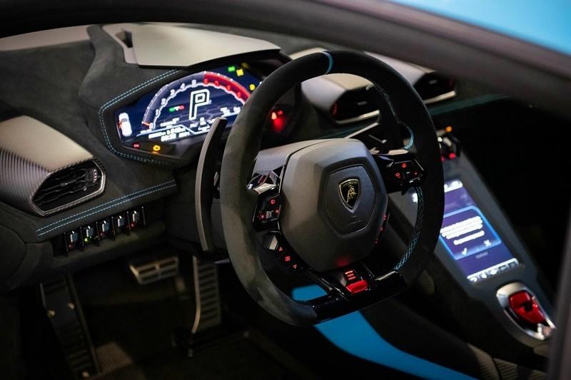 Lamborghini Huracan STO đang trở thành chiếc xe bò tót đáng sở hữu nhất trong năm nay