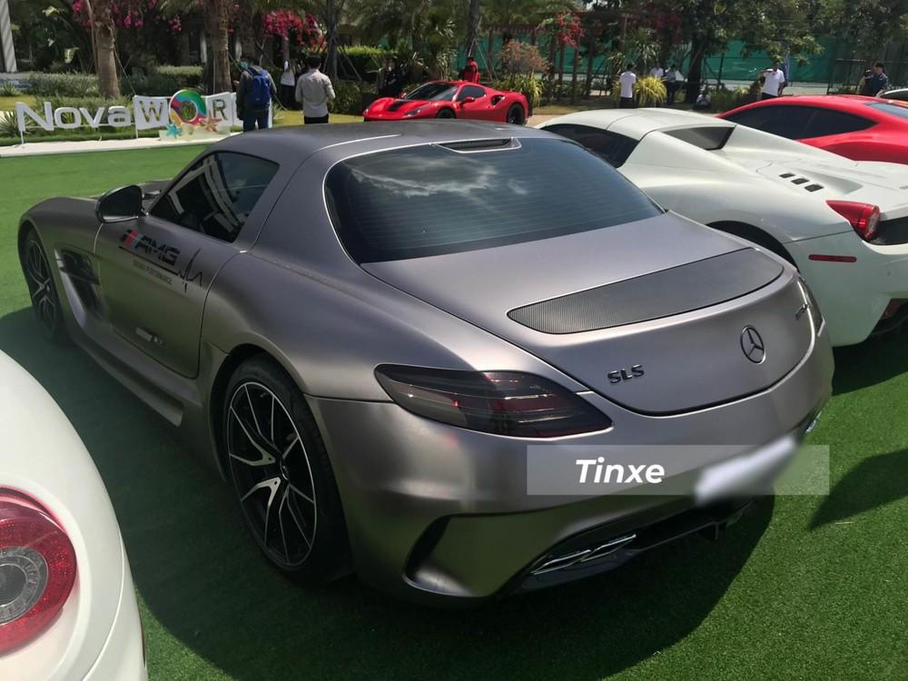 Thiết kế đuôi xe Mercedes-Benz SLS AMG độ bodykit Black Series