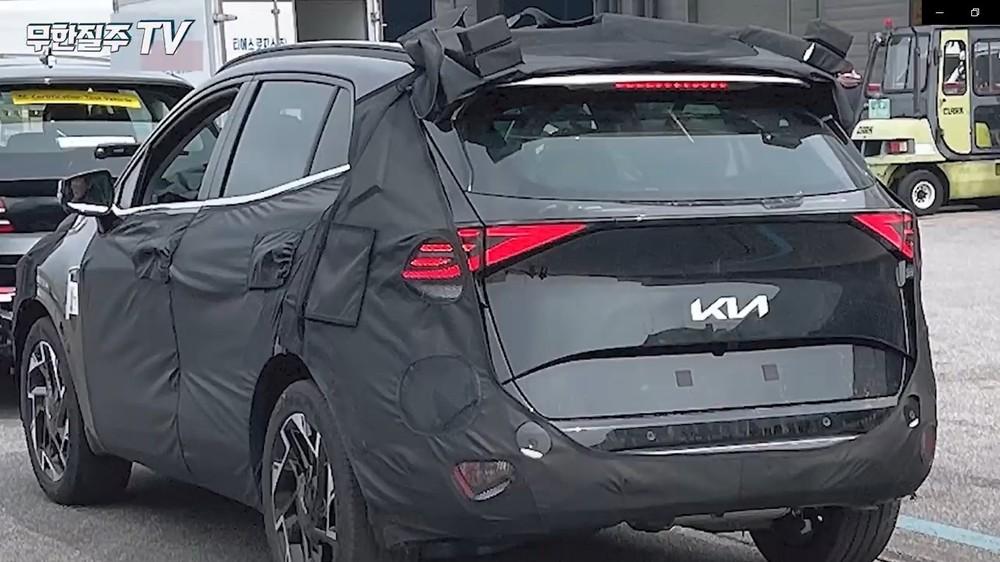 Thiết kế đuôi xe bị lộ của Kia Sportage 2021