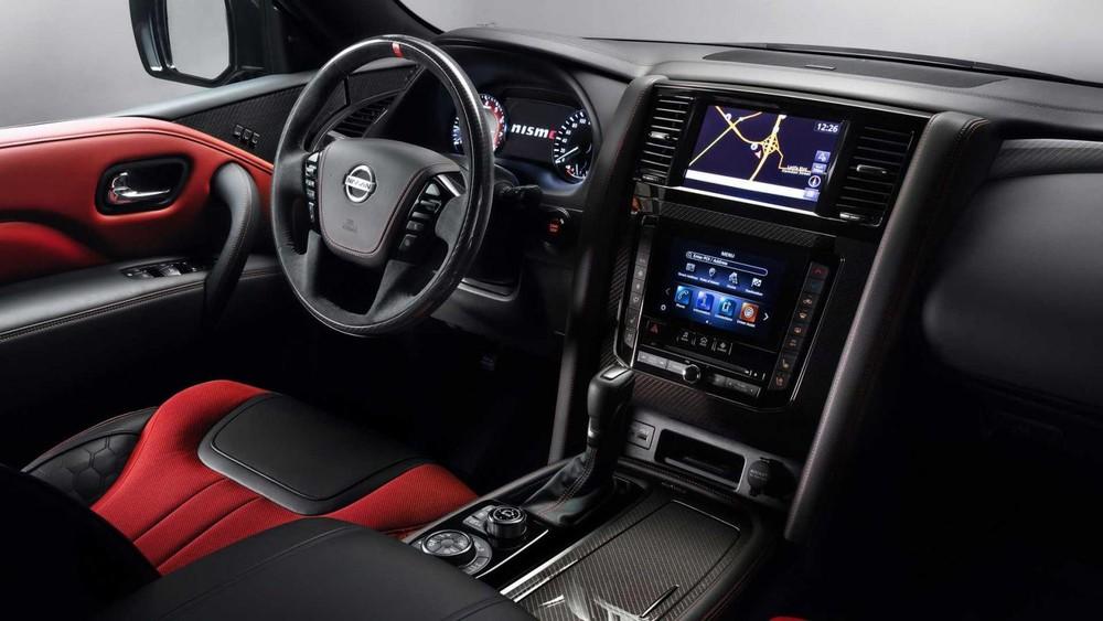 Nội thất bên trong Nissan Patrol Nismo 2021
