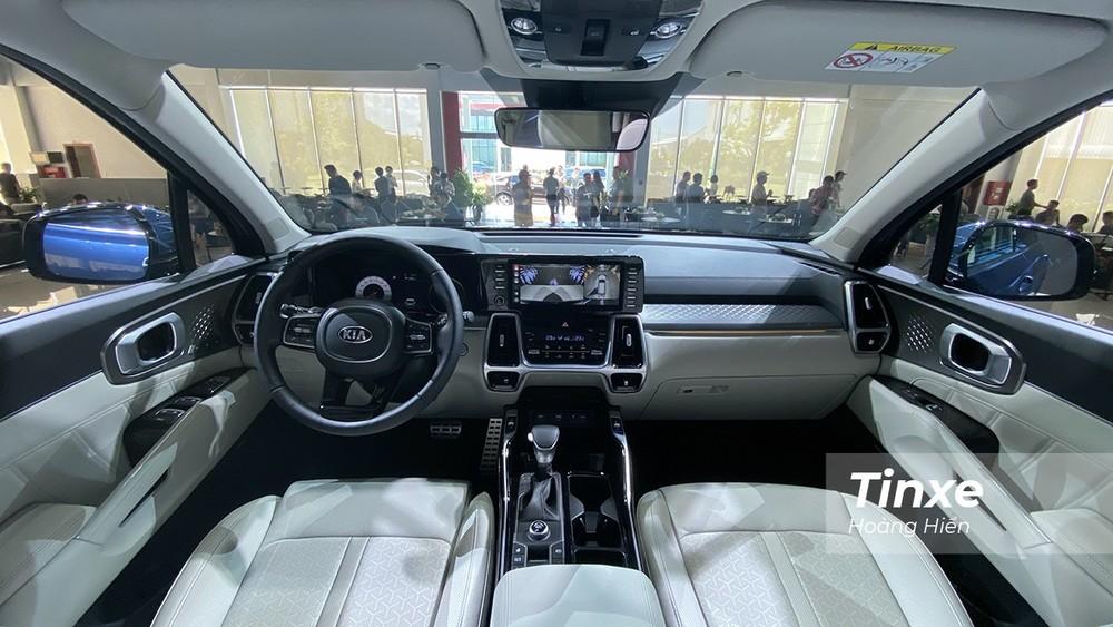 Các trang bị an toàn của Kia Sorento tương đối đầy đủ, đáp ứng được các nhu cầu sử dụng.