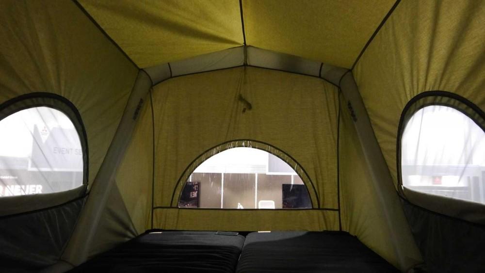 Không gian bên trong lều cắm trạiGT Pick Up
