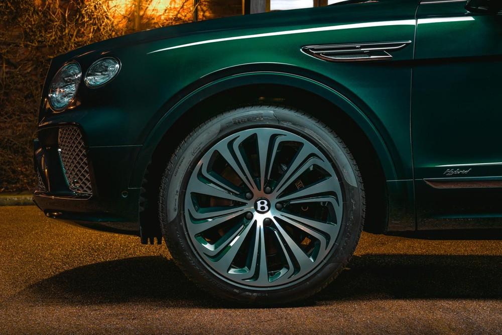 Bộ vành 22 inch của Bentley Bentayga Hybrid