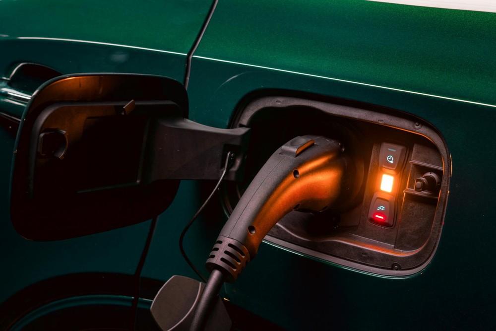 Bentley Bentayga Hybrid là xe sạc điện
