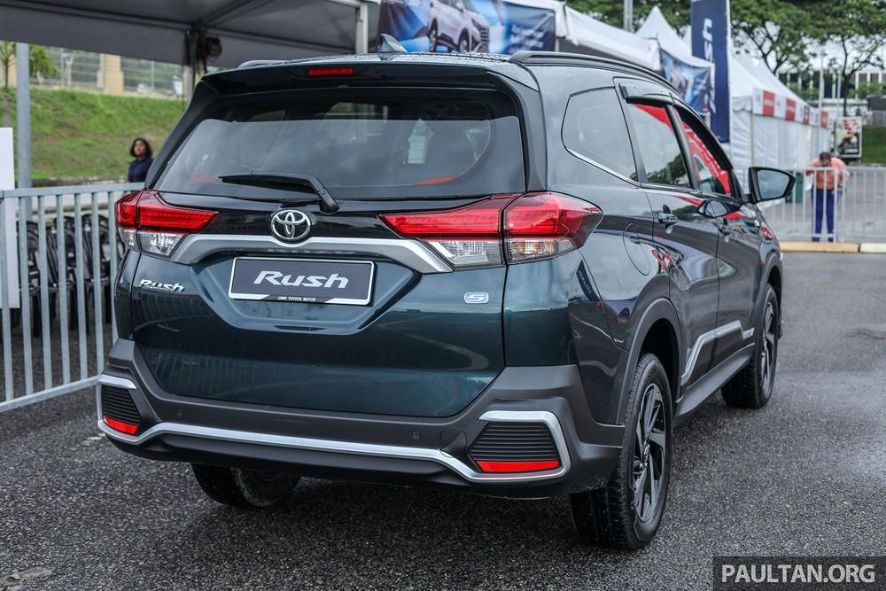 Màu xanh đậm sẽ không còn được dùng cho Toyota Rush tại Malaysia nữa