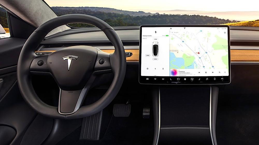 Tesla là một trong những hãng xe điện nổi tiếng và đắt đỏ nhất hiện nay