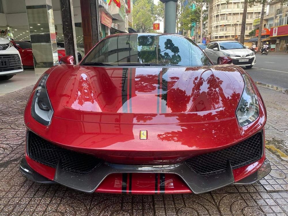 Đây là chiếc siêu xe mui trần Ferrari 488 Pista Spider thứ 2 tại Việt Nam