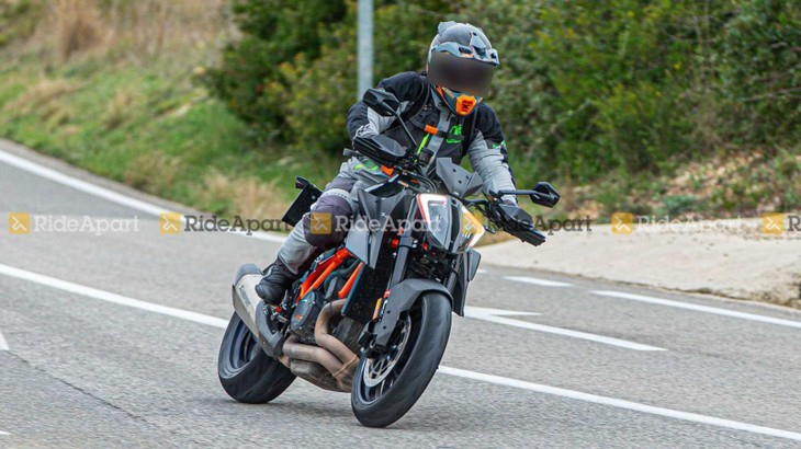 KTM 1290 Super Duke RR 2021 sẽ chính thức trình làng vào tối nay 6/4/2021
