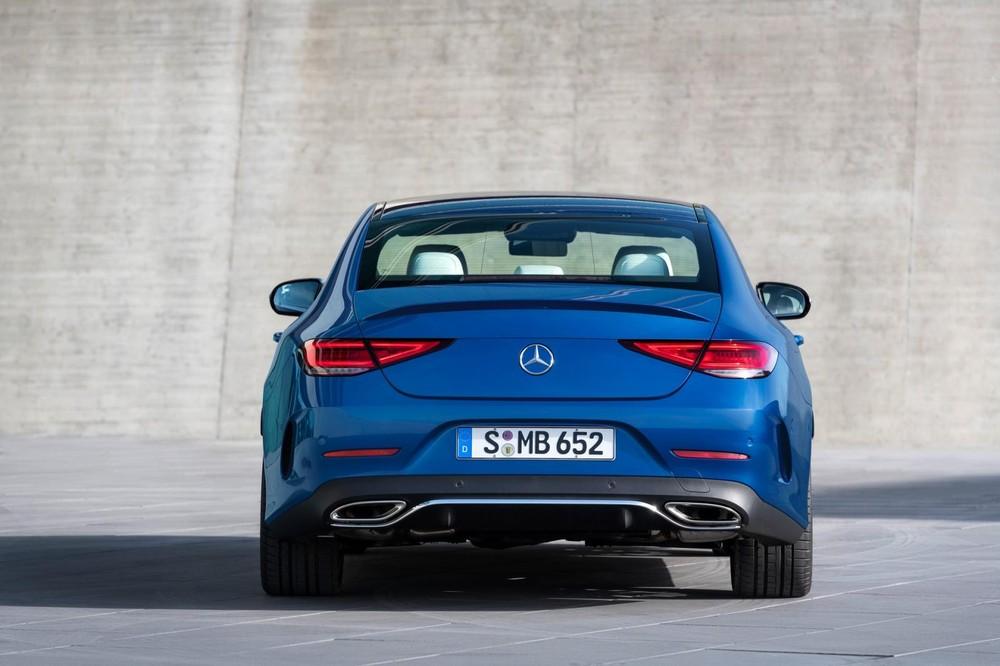 Mercedes-Benz CLS 2021 nhìn từ đằng sau