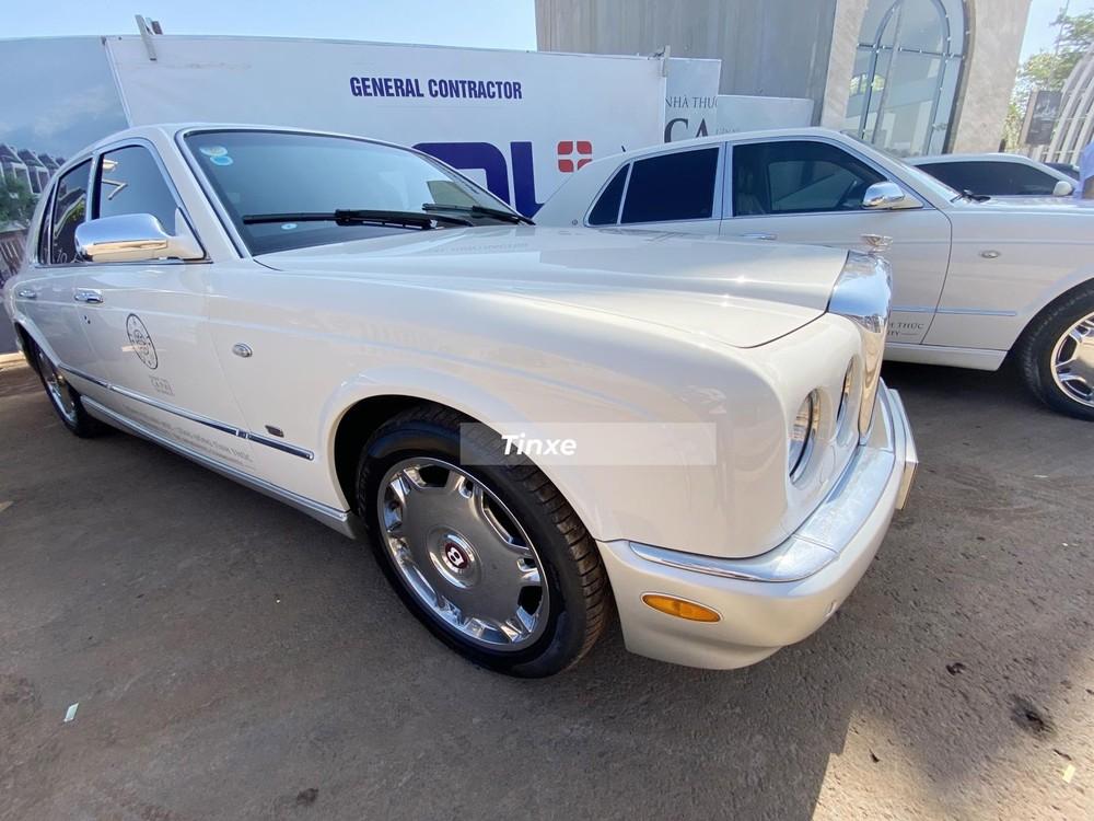 Một chiếc xe Bentley Arnage của Đặng Lê Nguyên Vũ