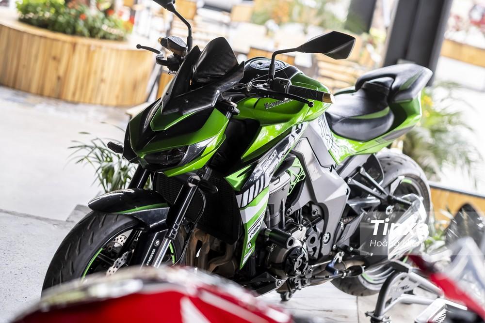 Chiếc naked bike đình đám một thời của giới biker Việt Nam - Kawasaki Z1000.