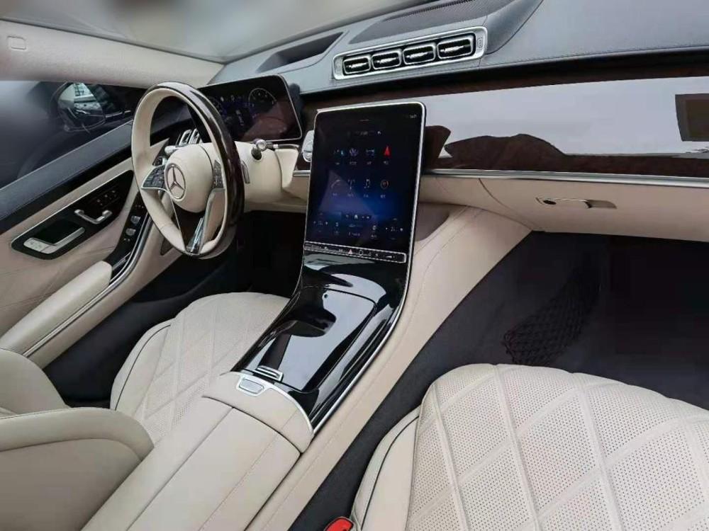 Mercedes-Maybach S480 2021 có 2 màn hình cỡ lớn