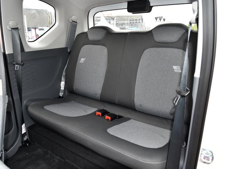 Ghế sau của Wuling Hongguang Mini EV Macaron 2021