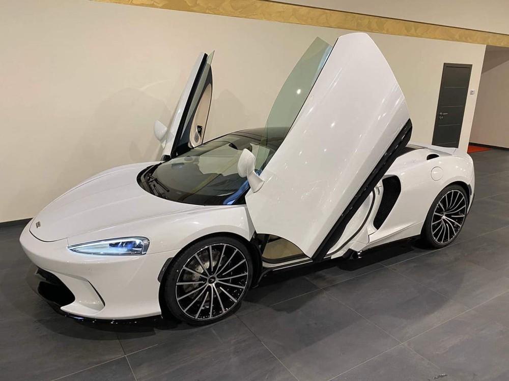 Xe mang màu trắng đẹp mắt