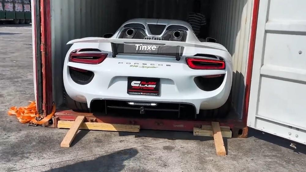 Xe được mua từ đại lý rất nổi tiếng ở Dubai, nơi bán Pagani Huayra cho Minh Nhựa hay McLaren Senna của Hoàng Kim Khánh