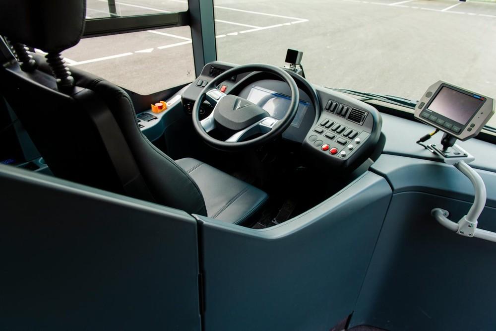 Khu vực tài xế điều khiển VinBus.