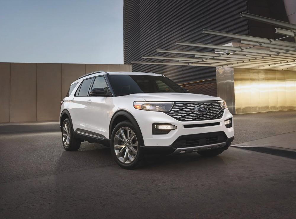 Ford Explorer Platinum Hybrid 2021