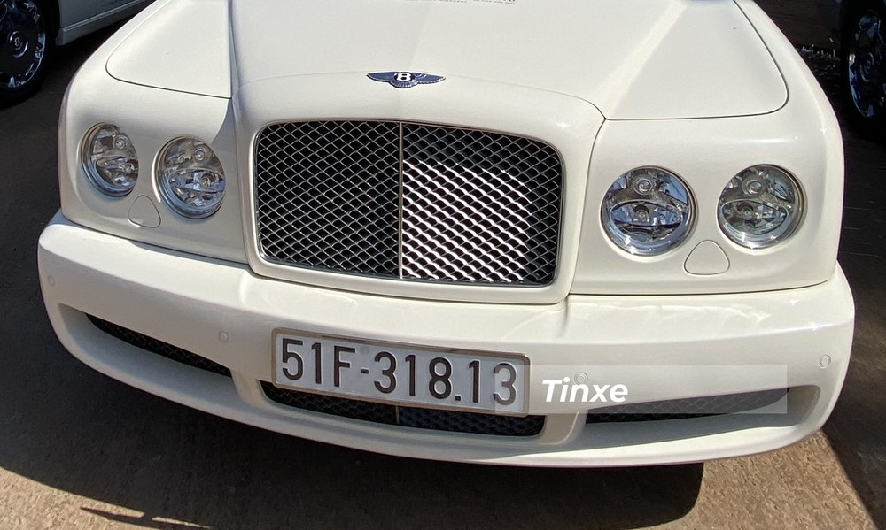 Thiết kế mặt tiền của Bentley Brooklands Coupe