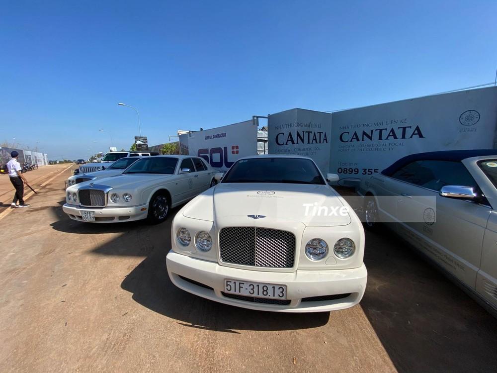 Ngoài ra, doanh nhân Tây Nguyên này còn sở hữu 2 chiếc Bentley Arnage, phiên bản 4 cửa của Bentley Brooklands Coupe