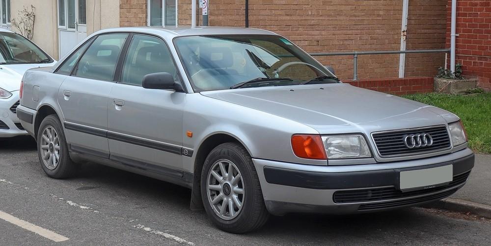 Audi 100 là chiếc chiếc xe lớn nhất của công ty kể từ khi Volkswagen hồi sinh thương hiệu Audi vào năm 1965.
