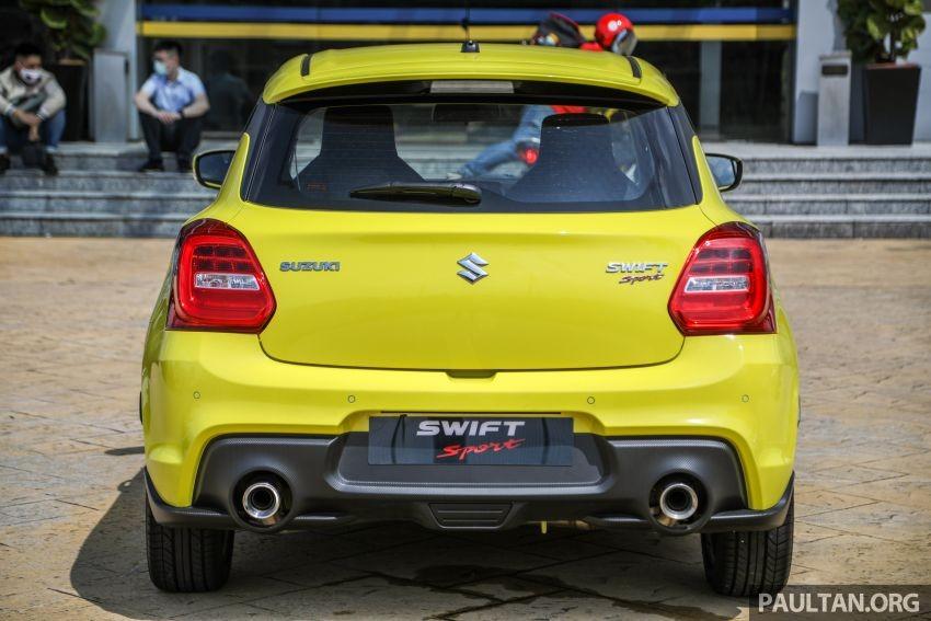 Suzuki Swift Sport 2021 chỉ có trang bị an toàn cơ bản