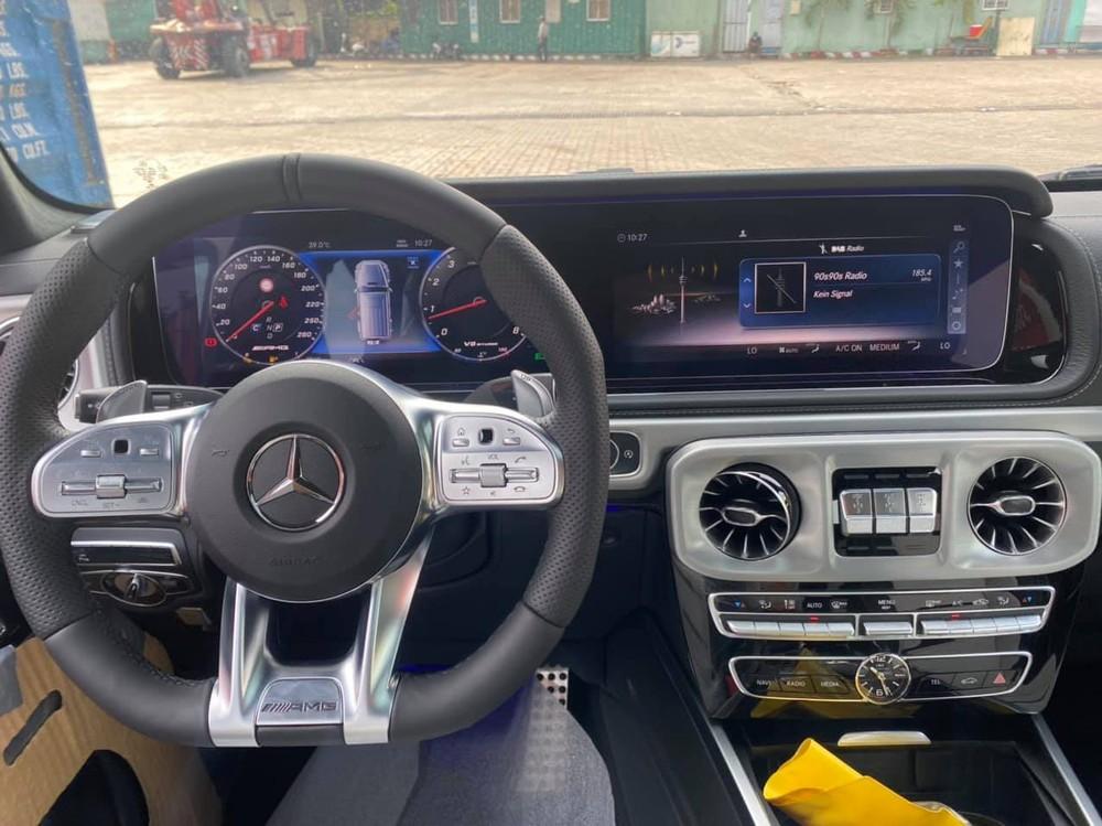 Khoang lái của Mercedes-AMG G63 2021 mới về nước