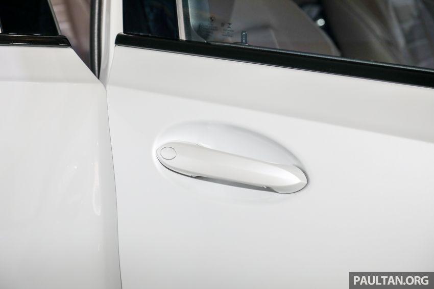 Tay nắm cửa của BMW 3-Series Li 2021