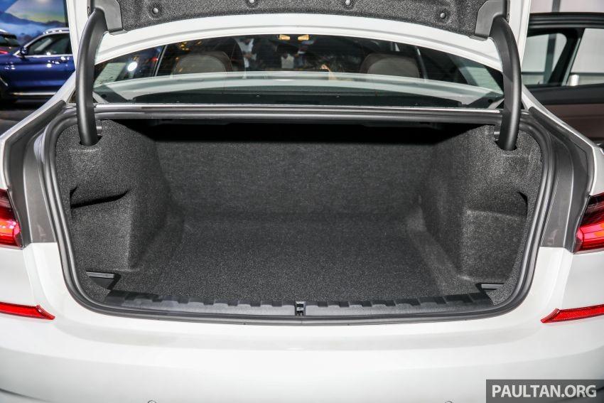 Cốp sau của BMW 3-Series Li 2021