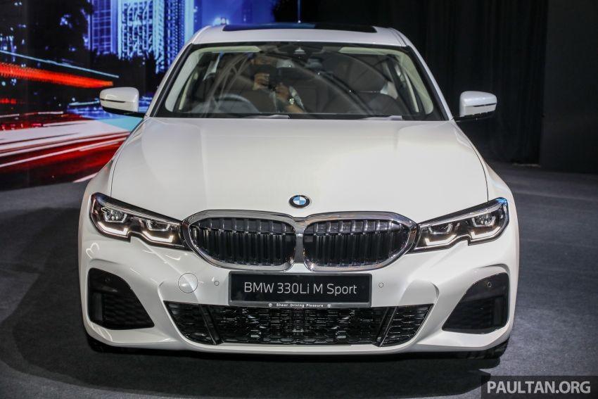 Cận cảnh đầu xe của BMW 3-Series LWB 2021
